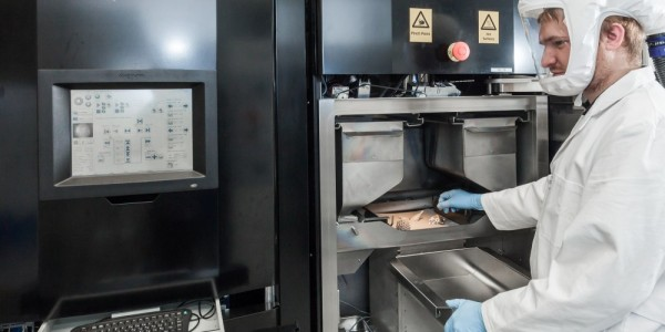 Additive Manufacturing at Heraeus. Photo via Heraeus.