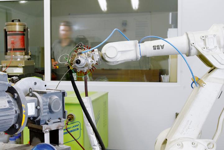 Laser metal deposition equipment at RMIT. Photo via RMIT University