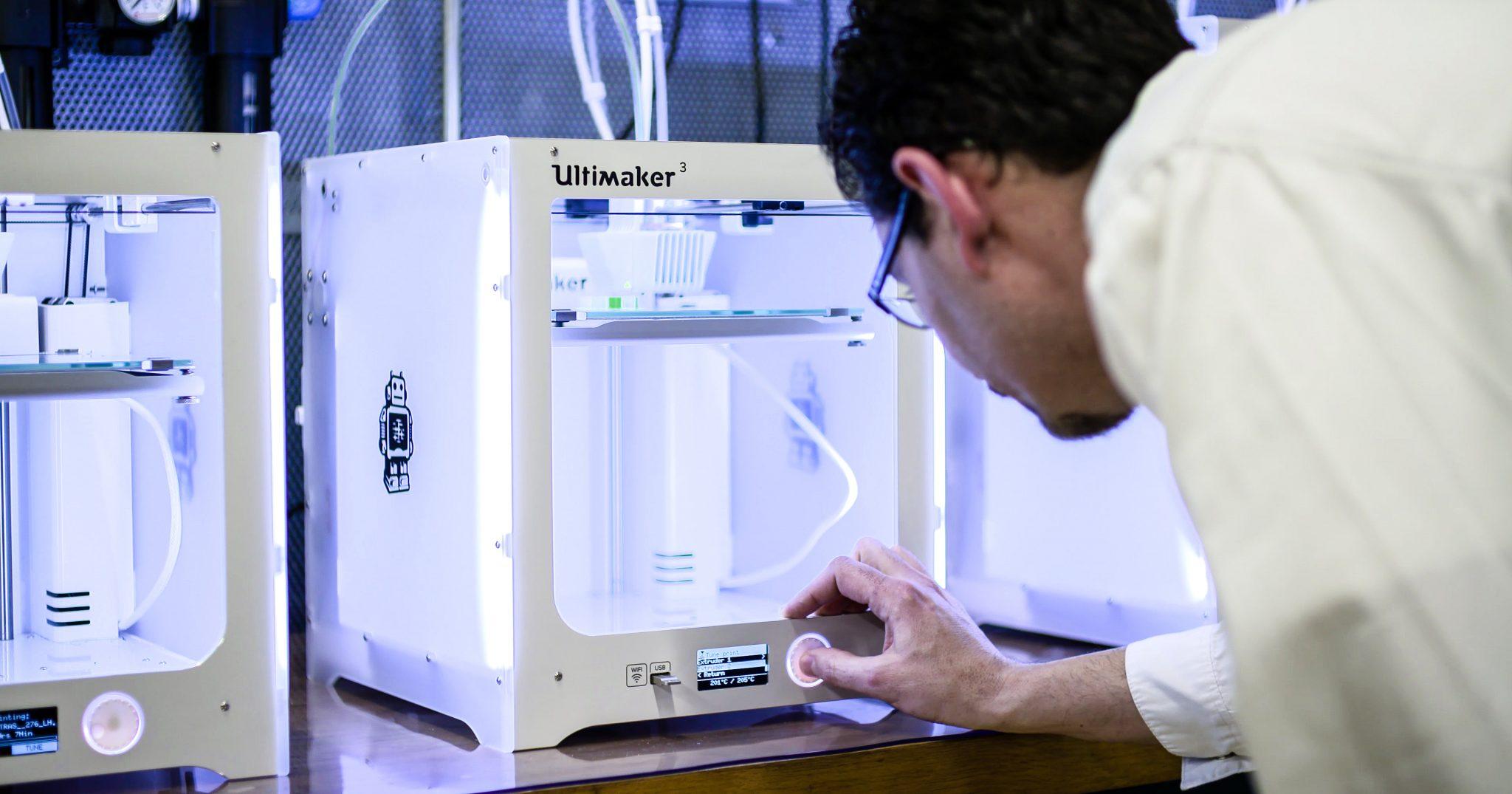 Ultimaker 3 3D printers. Photo via Ultimaker