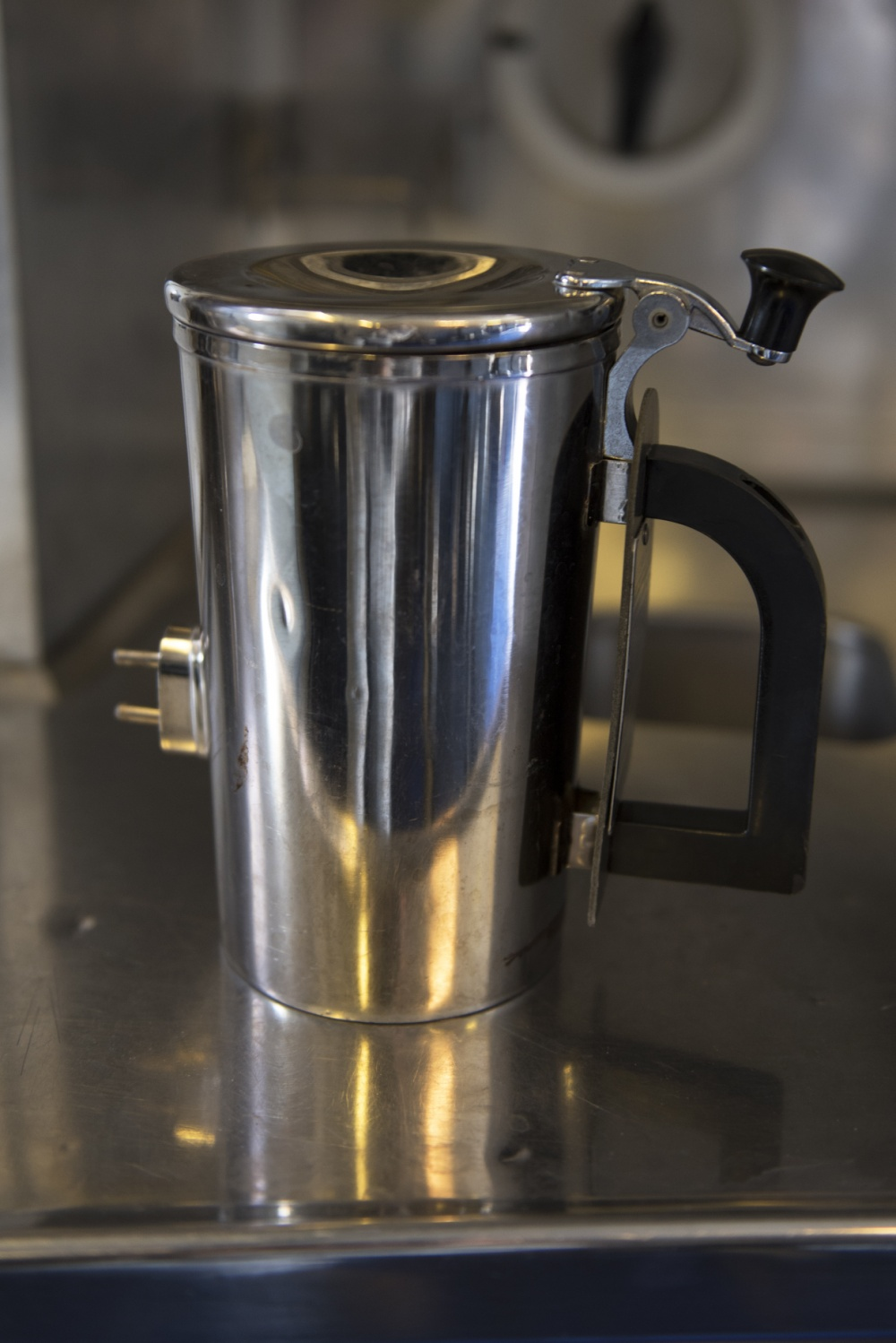 The hot cup with the original plastic handle. Photo via U.S. Air Force/Courtesy of Tech. Sgt. James Hodgman.