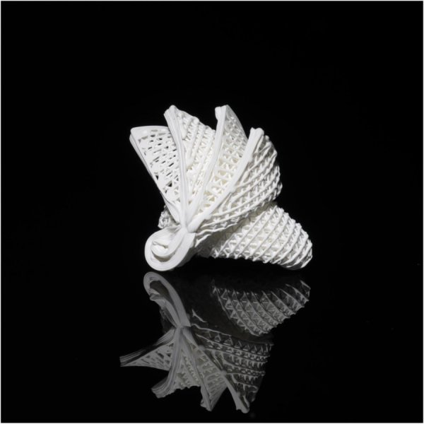 4D printed ceramic origami mimicking the Sydney Opera House. Photo via CityU.