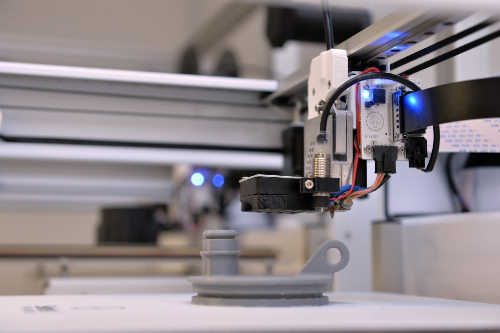 Spare parts 3D printing at Ivaldi. Photo via Ivaldi Group