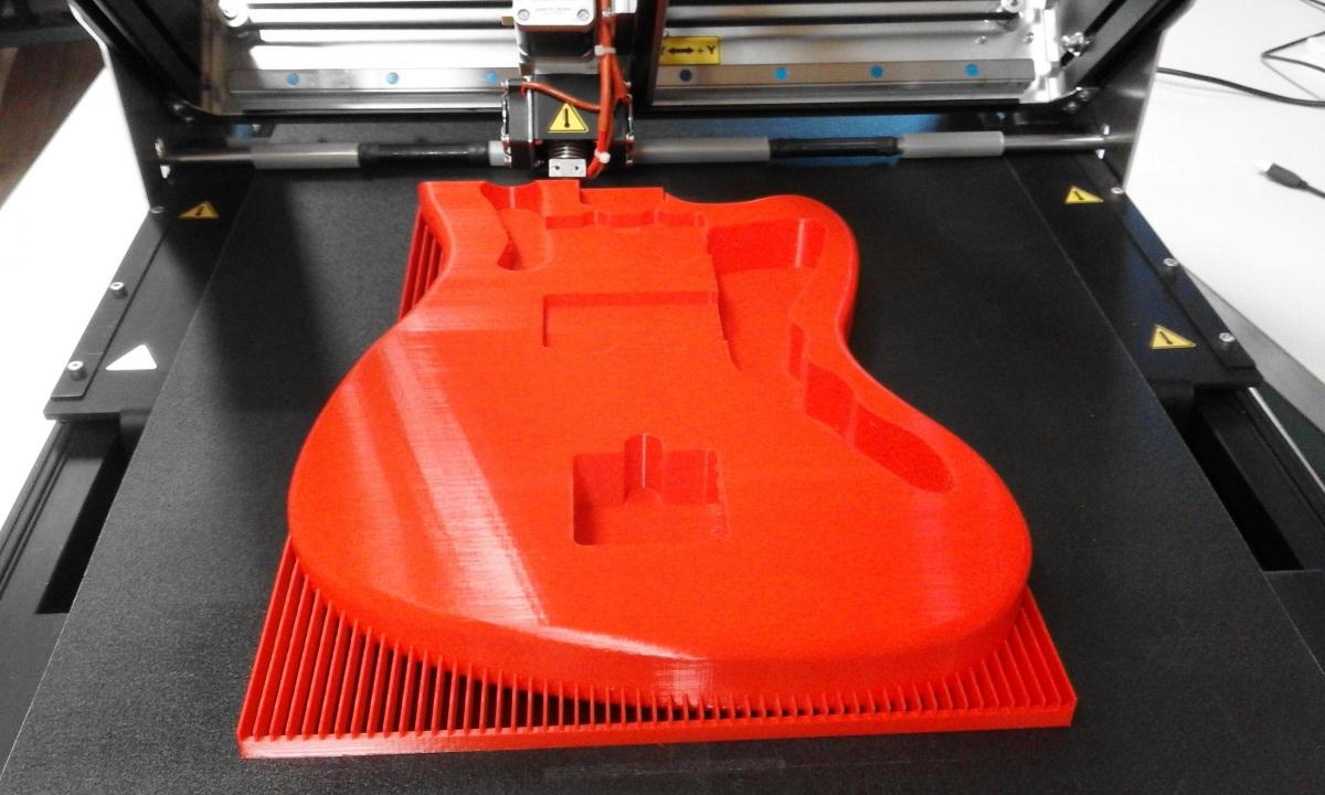 A 3D printed guitar with Sliding-3D. Image via Robot Factory
