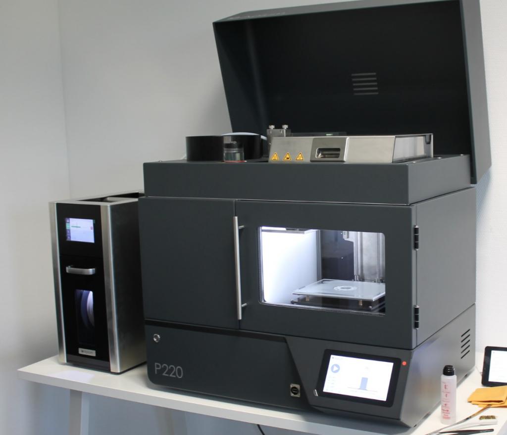 The Apium P220 3D printer ready for testing.