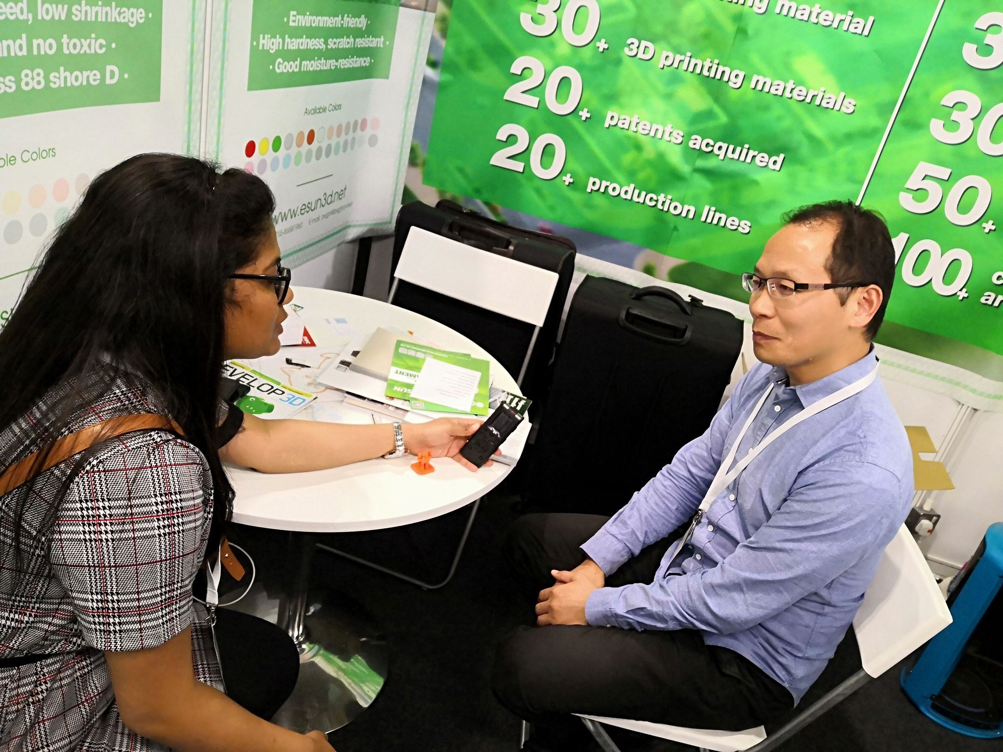 Kevin Yang interviewing for 3D Printing Industry at TCT 2018 in the UK. Photo by eSUN.