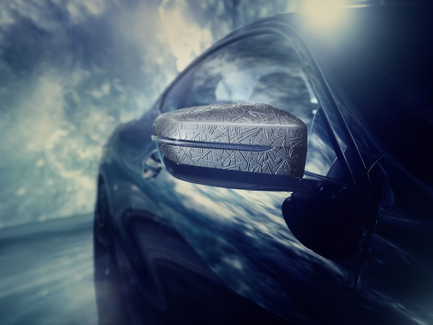 The 3D printed exterior mirror caps on the BMW Individual M850i Night Sky. Photo via BMW Group.