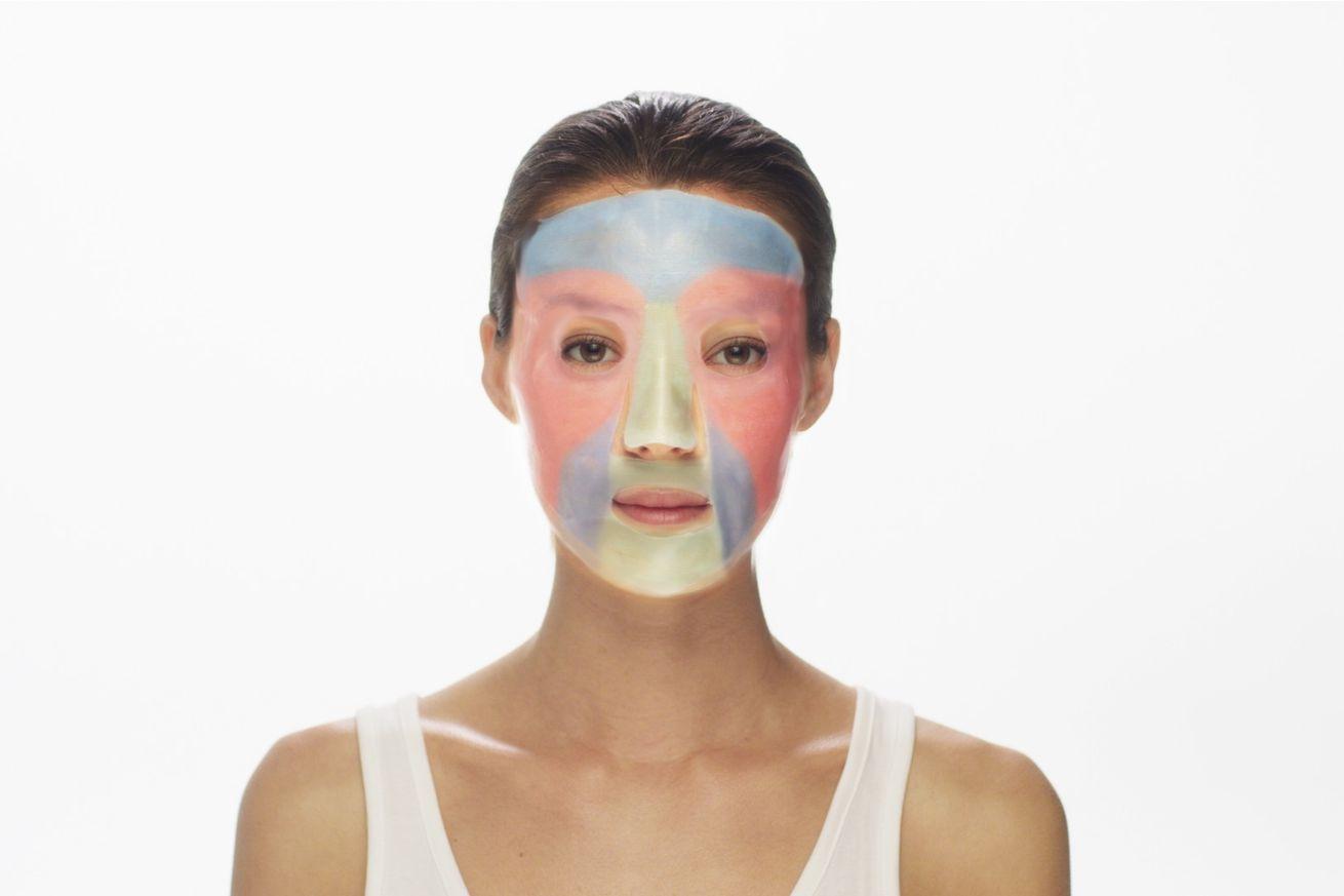 The MaskiD 3D printed face mask. Image via Neutrogena.