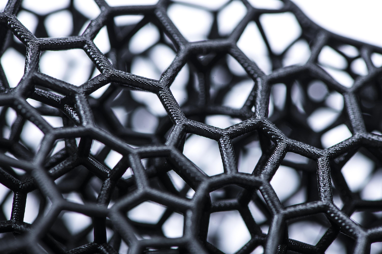 Closeup of 3D printed lattice struts for the Precision-Fit SpeedFlex Precision Diamond helmet lining. Photo via Carbon