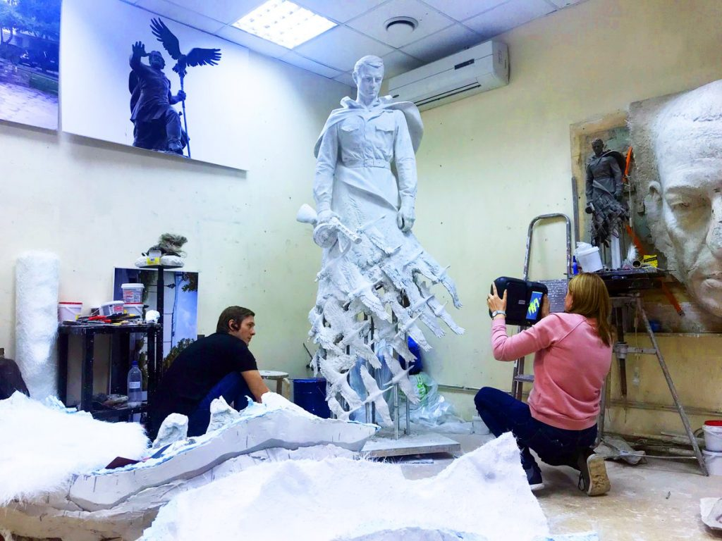 Large scale scan in progress using the Drake 3D scanner. Photo via Thor3D