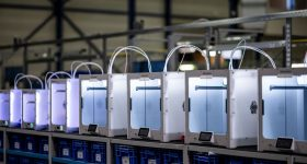 Ultimaker desktop 3D printers. Image via Ultimaker.