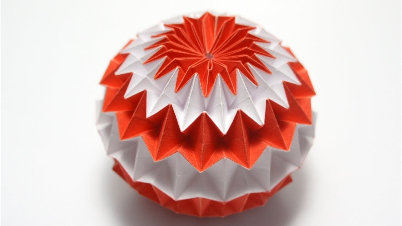 An origami magic ball. Image via YouTube.