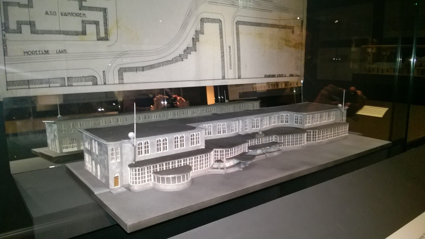 The 3D printed replica of the Utrecht station building. Photo via 3DScaleWorks.