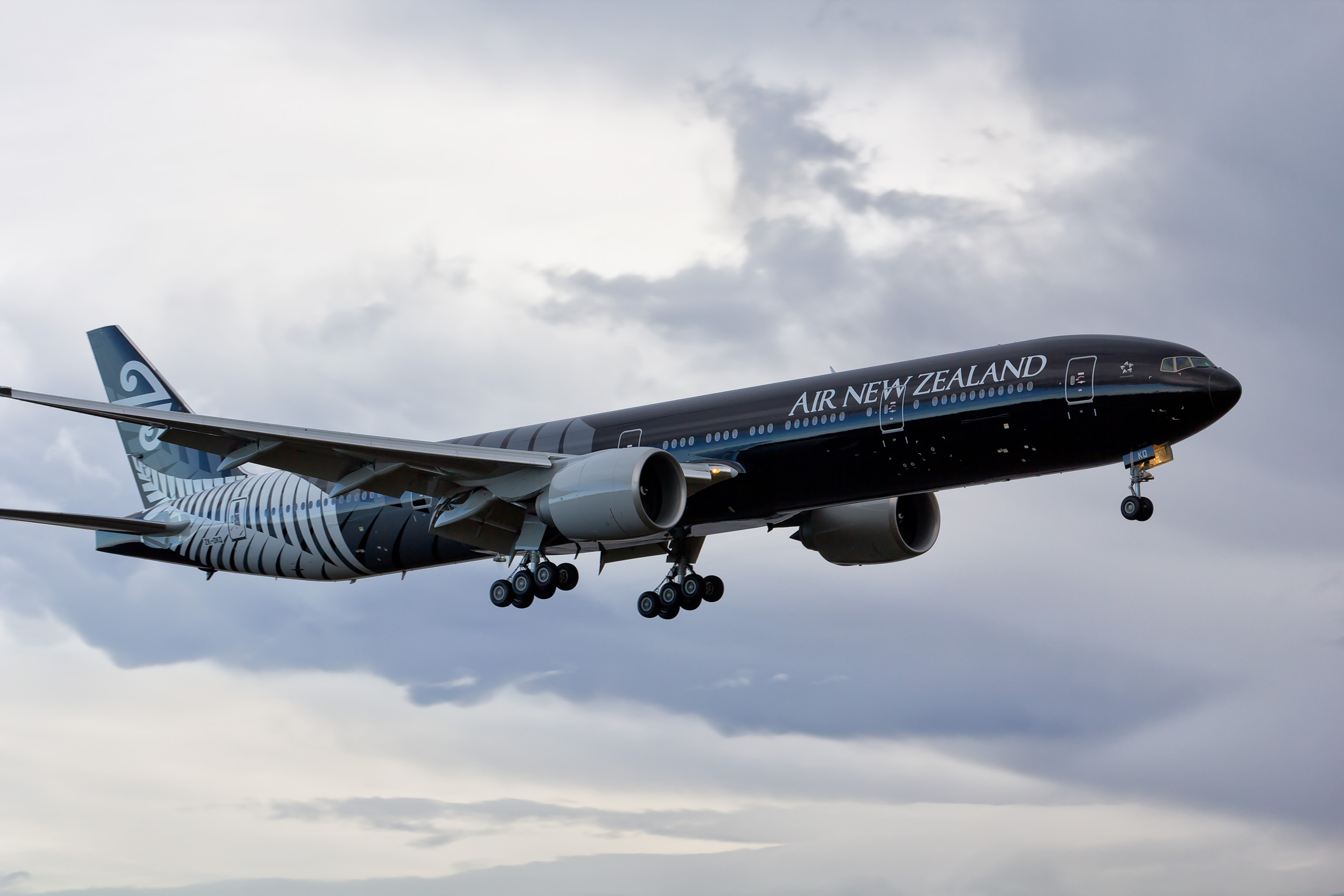 An Air New Zealand's Boeing 777-300ERs in flight. Image via Airline Reporter.