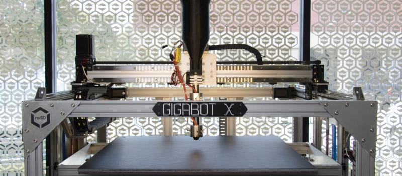 A Gigabot X pellet extruding system. Image via re:3D.
