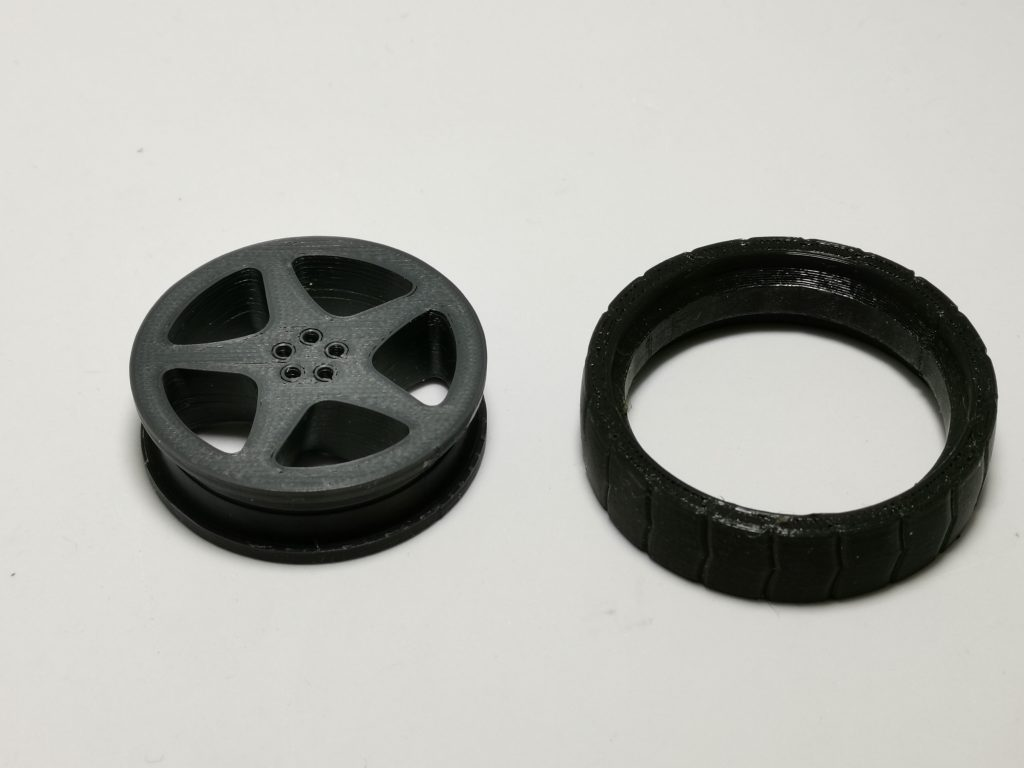 Wheel and tire 3D printed separately.