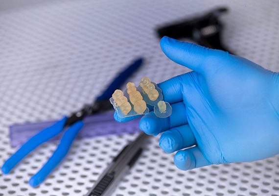 Dental samples 3D printed using Raydent Crown & Bridge Resin on Zortrax's Inkspire. Image via Zortrax.