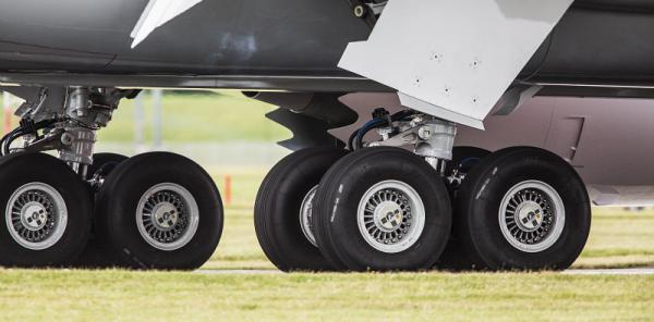 Boeing 787 Dreamliner landing gear designed and manufactured by Safran Landing Systems. Image via Safran Landing Systems.