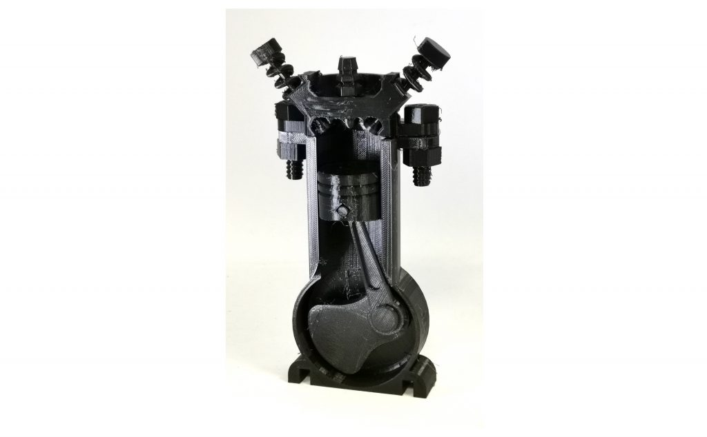 Second Nylon test - functional combustion engine model for educational use.