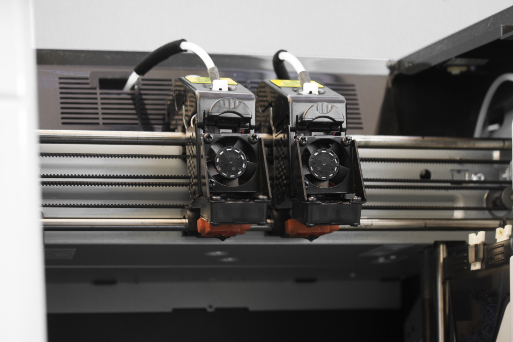 Dual print heads in the 3DWOX 2X.