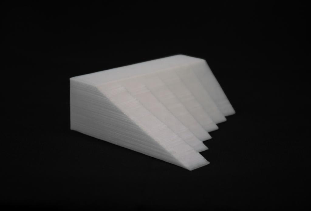 3D printed overhang model.