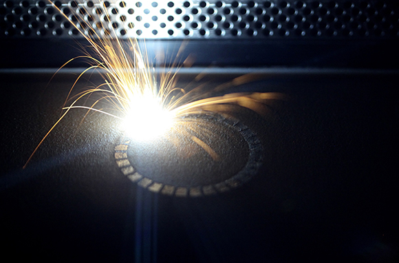 Laser Powder Bed Fusion additive manufacturing. Photo via Cetim.