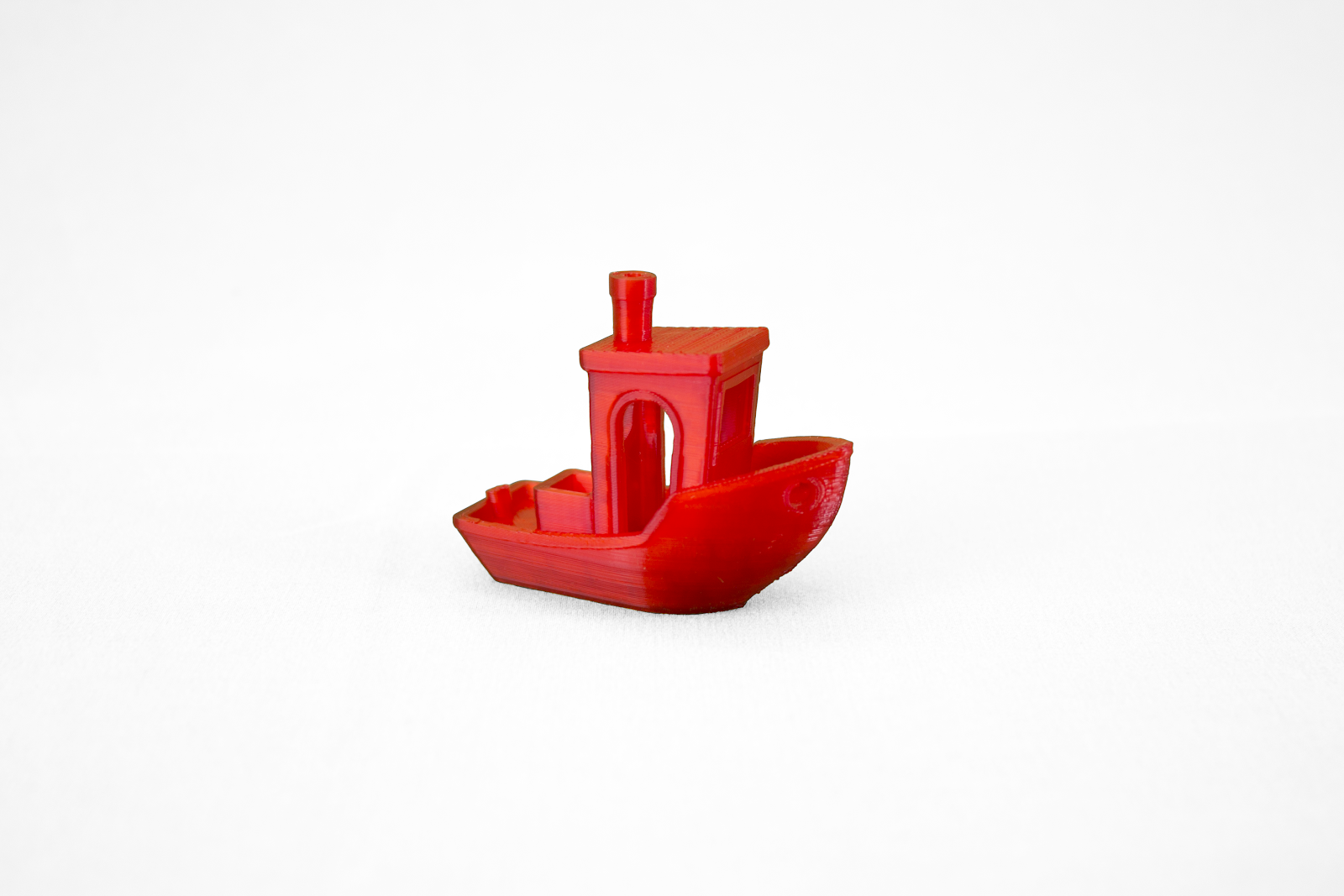 The 3D printed Benchy made on the Adventurer 3.