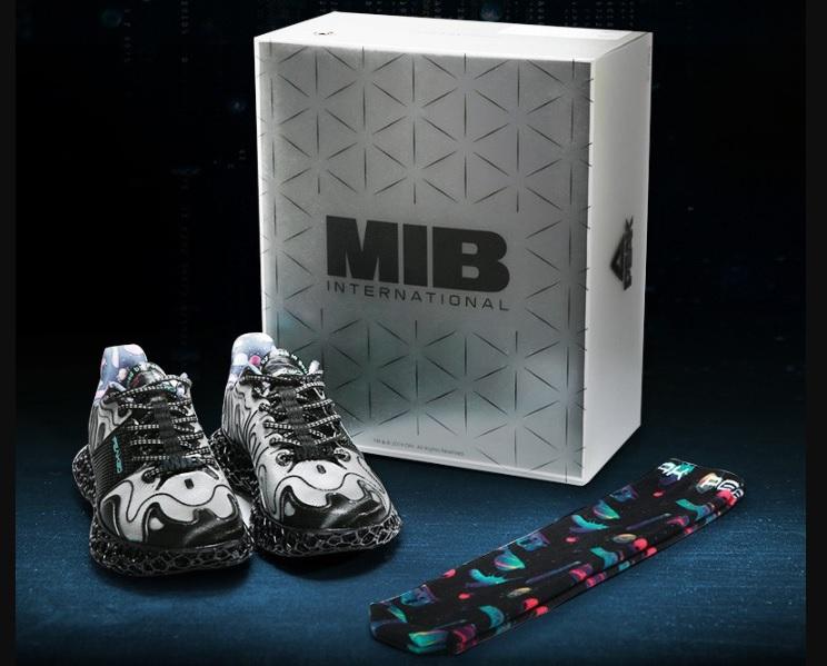 A Men in Black themed pair of 3D printed Future Fusion Peak3D sneakers. Image via Nanjixiong.