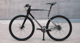 The Urwahn x Vagabund 3D printed bike frame. Photo via Urwahn/Vagabund Moto.