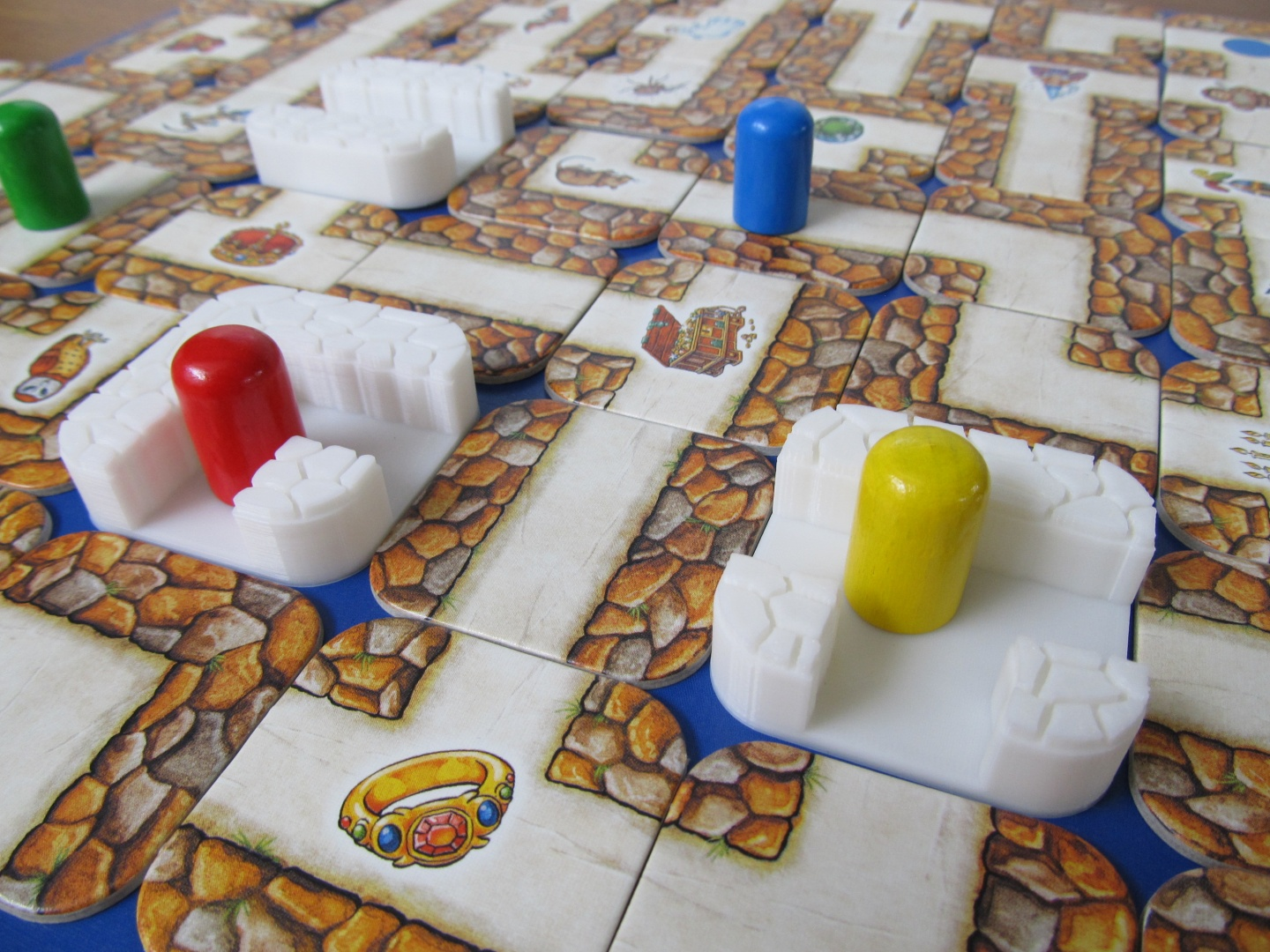 Custom 3D printed tiles for Labyrinth. Photo via MyMiniFactory.