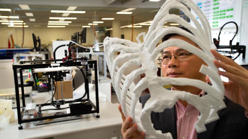 A 3D printed rib cage model. Photo via QUT.