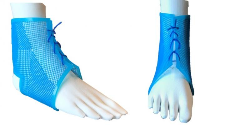 AM fabricated ankle brace using optimised metamaterial that has tailored mechanical performance. Image via SUTD.