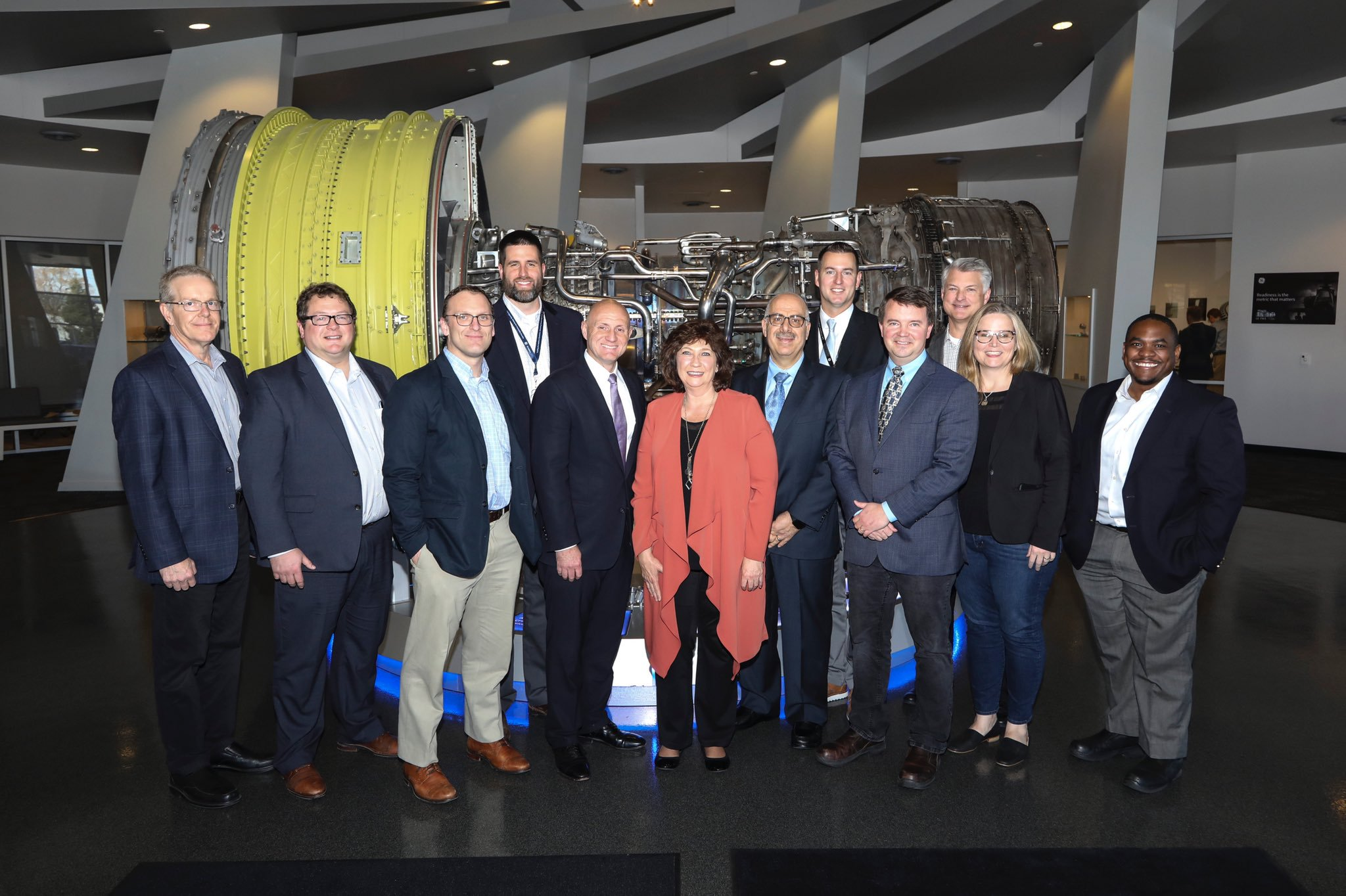 Members of GE, ORNL and DOE at the signing ceremony in GE Additive's Technology Center in Cincinnati. Photo via ORNL.