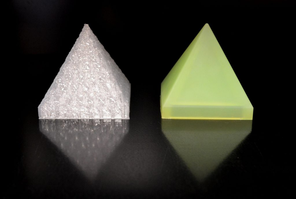 3D printed silicone (left) vs an injection molded pyramid (right) from STERNE. Photo via STERNE