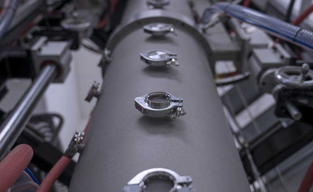 A 6K UniMelt microwave plasma production unit. Photo via 6K