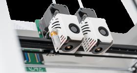 Dual extruder on the CraftBot Flow IDEX 3D printer. Photo via CraftUnique.