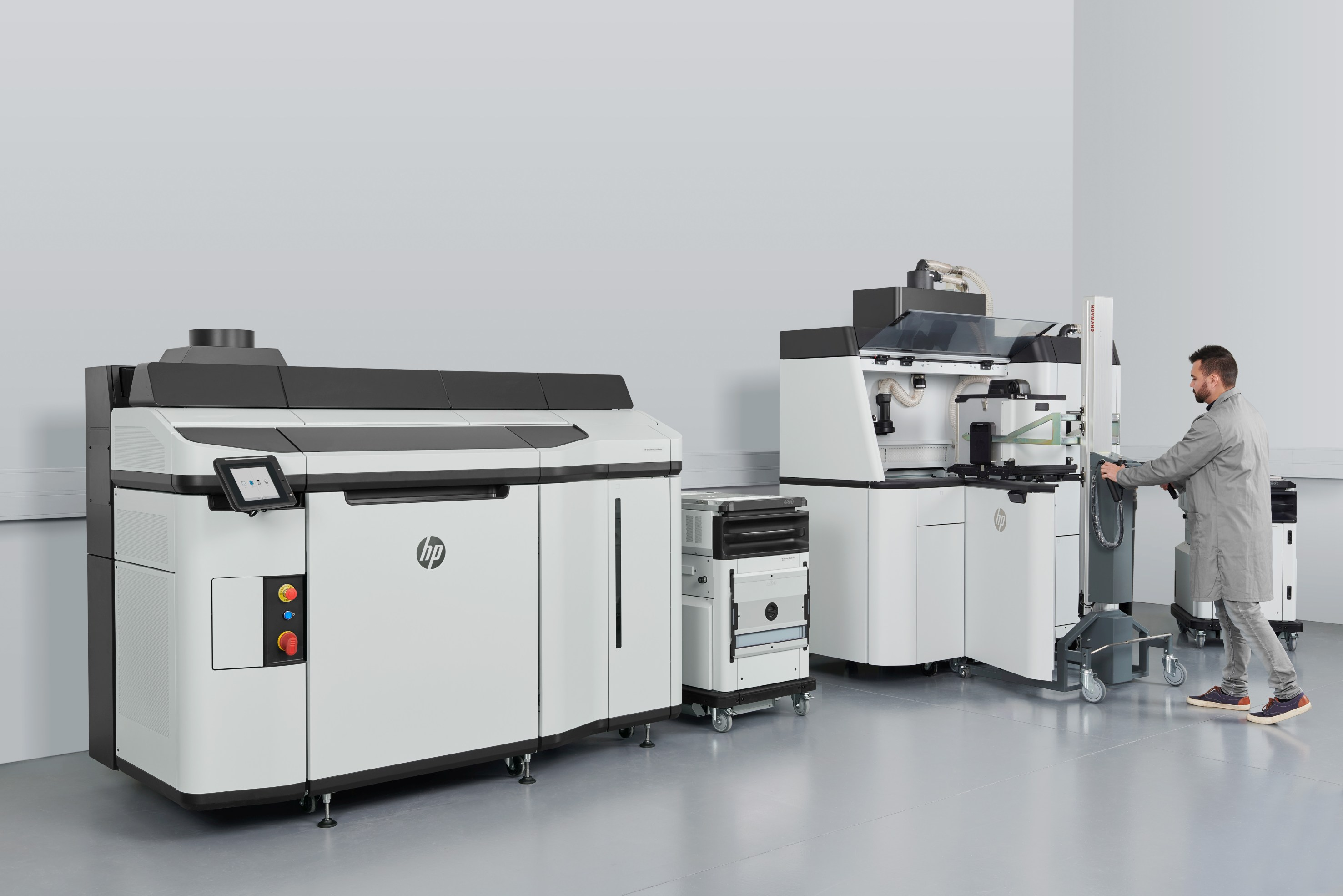 The HP Jet Fusion 5200 system. Photo via HP/AM Solutions.