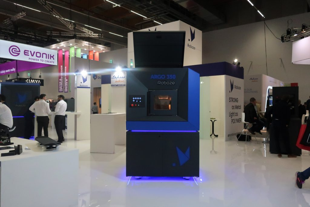 The ROBOZE ARGO 350 3D printer at Formnext 2019. Photo by Beau Jackson