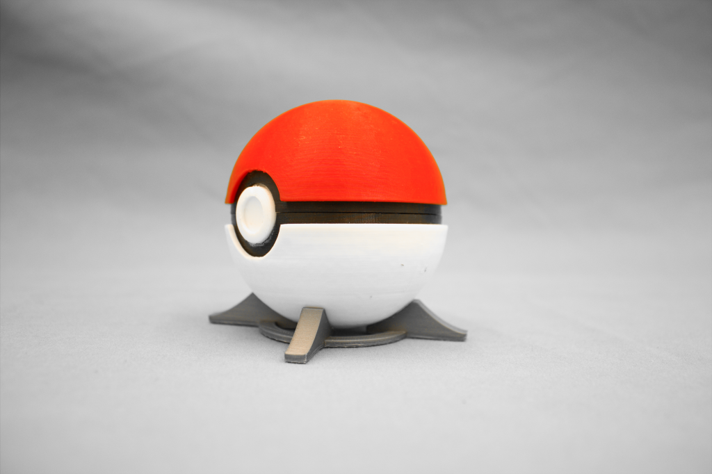 High tolerances of each part of the Pokeball case enabled its assembly, even when made in multiple materials in different print operations.