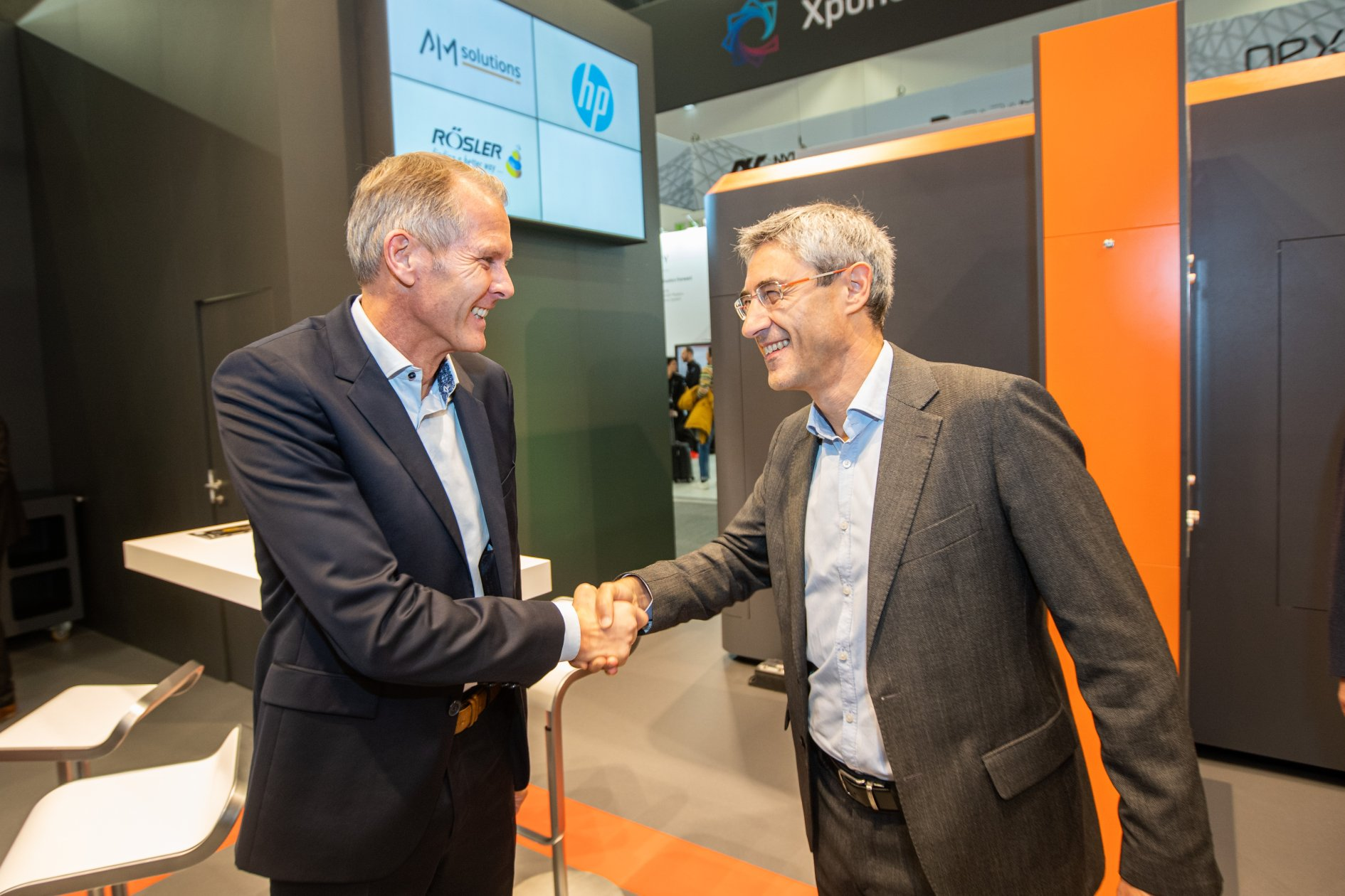 HP and AM Solutions collaborate to develop automated Multi Jet Fusion post processing technology