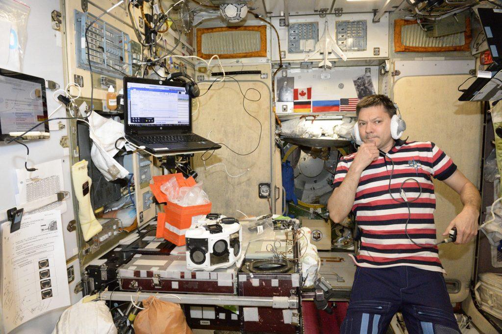 Russian cosmonaut Oleg Kononenko using OrganAut in the ISS. Photo via 3D Bioprinting Solutions.