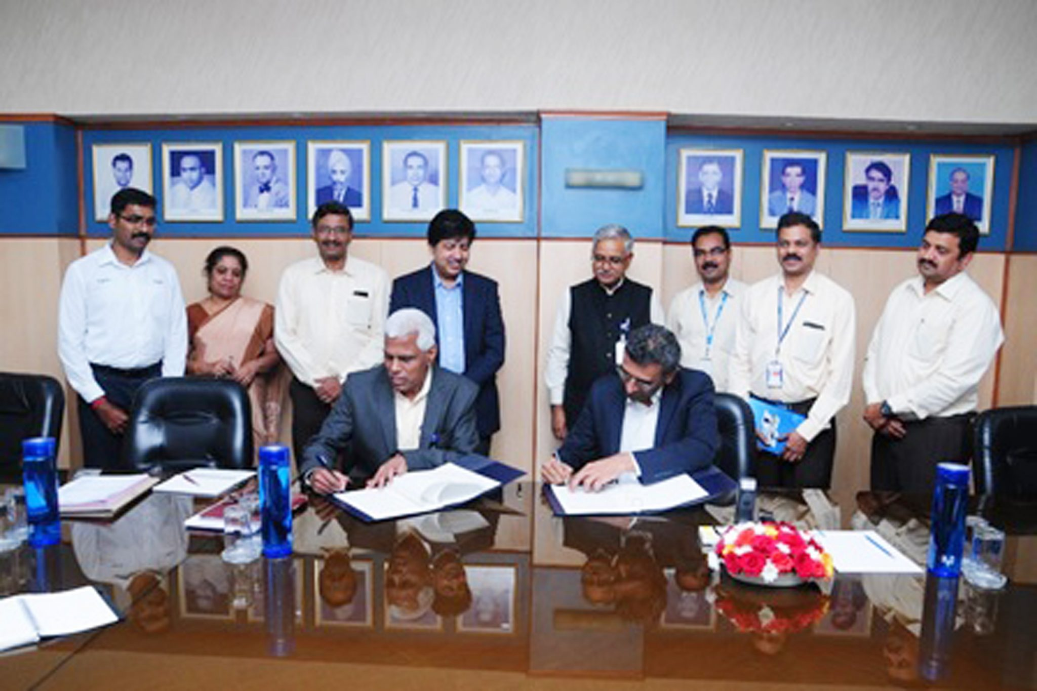 Mr K Rajamani, GM Engines, HAL and Mr Ajay Parikh, Vice President & Business Head at Wipro 3D signing the MoU. Photo via HAL.