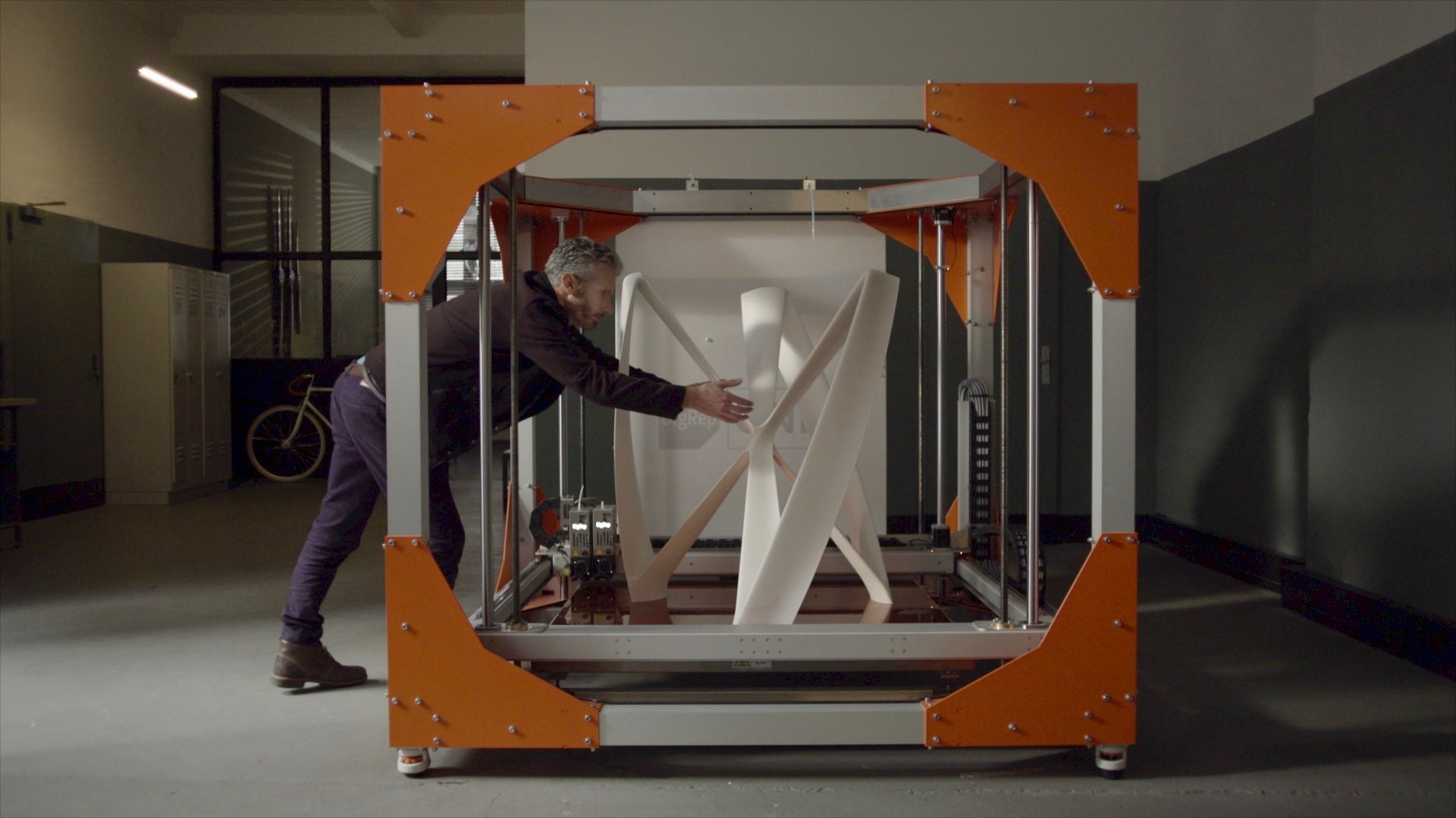 The BigRep ONE 3D printer offers a 1m3 print volume. Photo via Jürgen Scheunemann