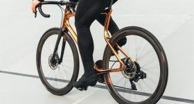 The bike with 3D printed steel frame. Photo via Urwahn/Schmolke.
