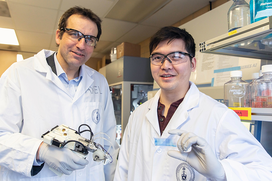 From left: Professor Axel Guenther (MIE) and PhD candidate Richard Cheng (IBBME). Photo via Daria Perevezentsev/UoT.