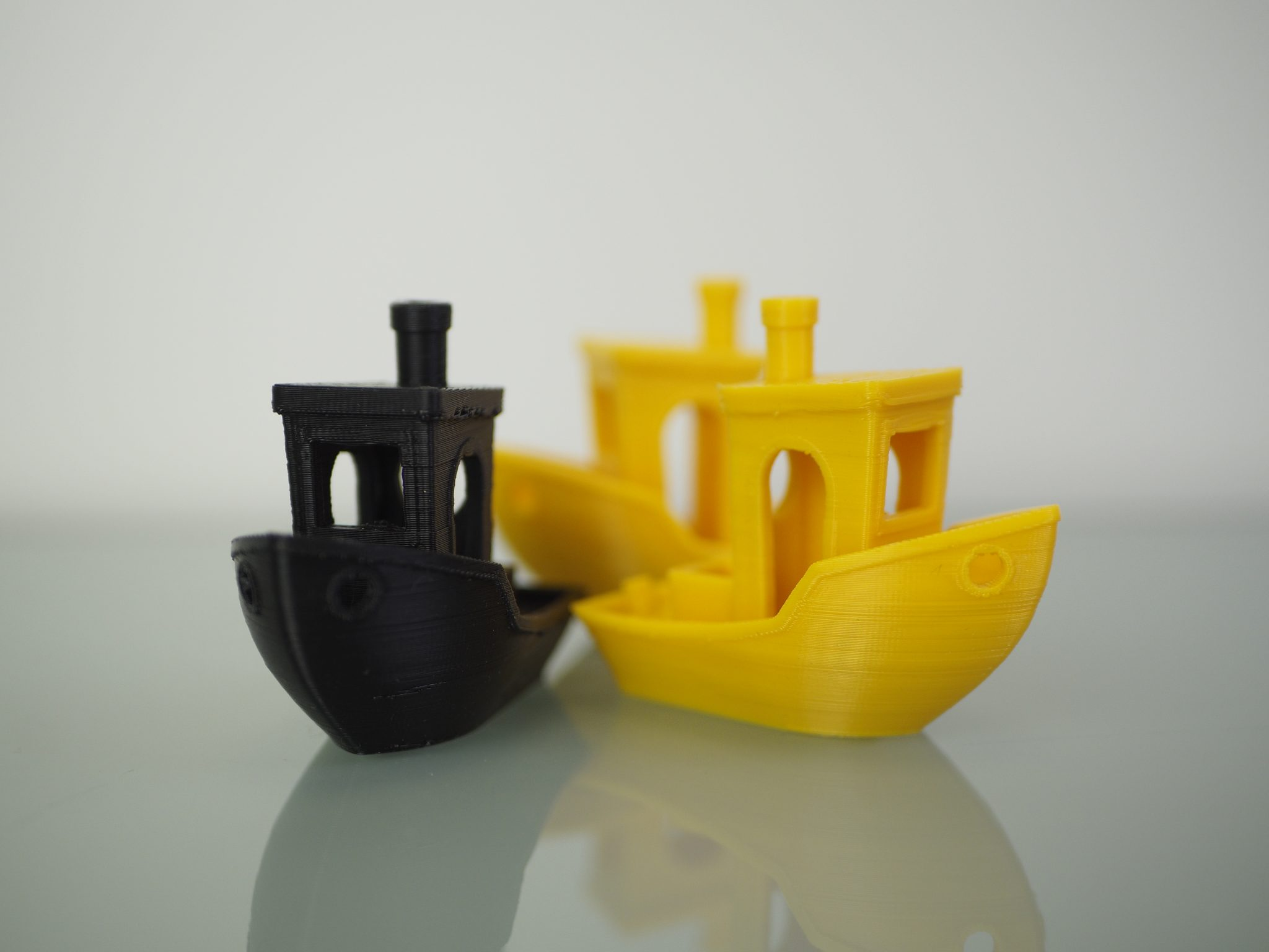Set of benchy models 3D printed on the Kodak Portrait. Photo by 3D Printing Industry.
