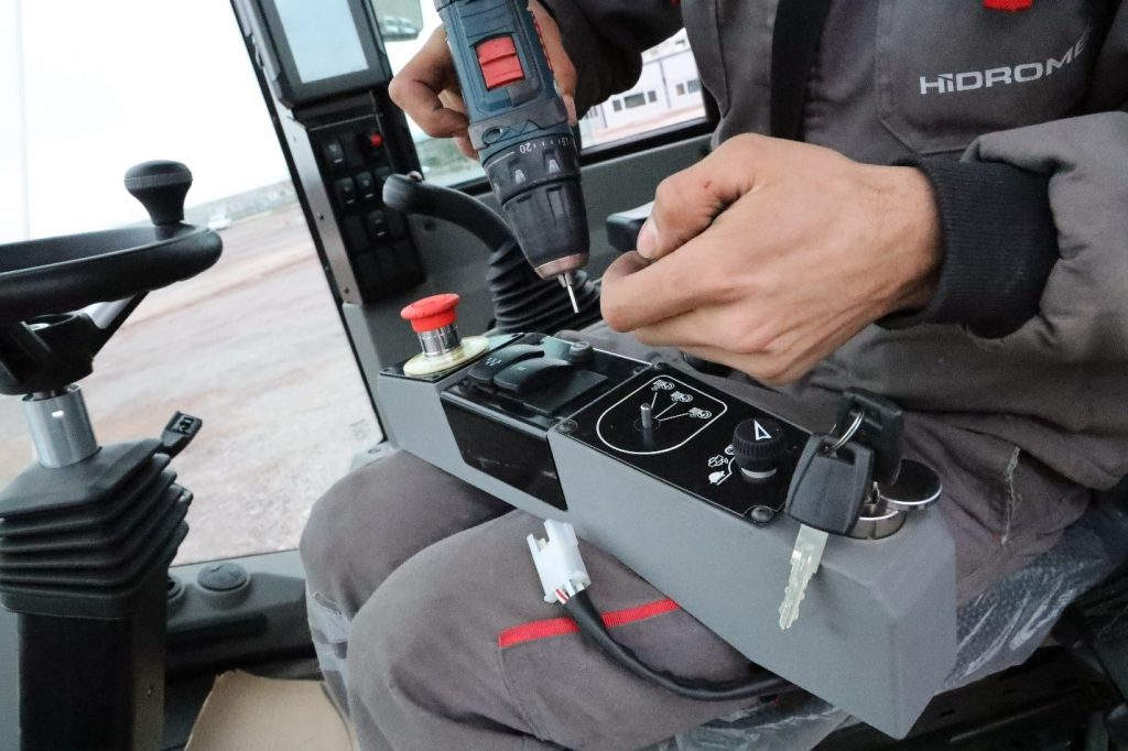 Housing of control unit in the HİDROMEK vehicle. Photo via LOOP 3D