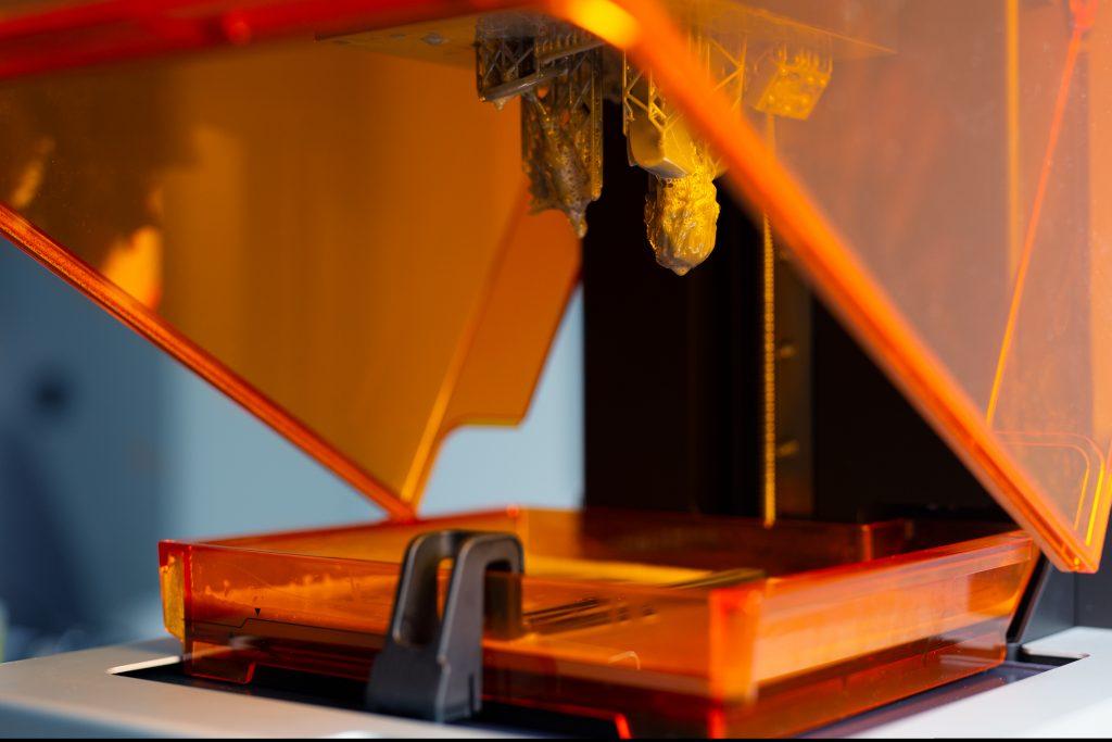 SLA 3D printing certification. Photo licensed by MakerOS via Shutterstock.