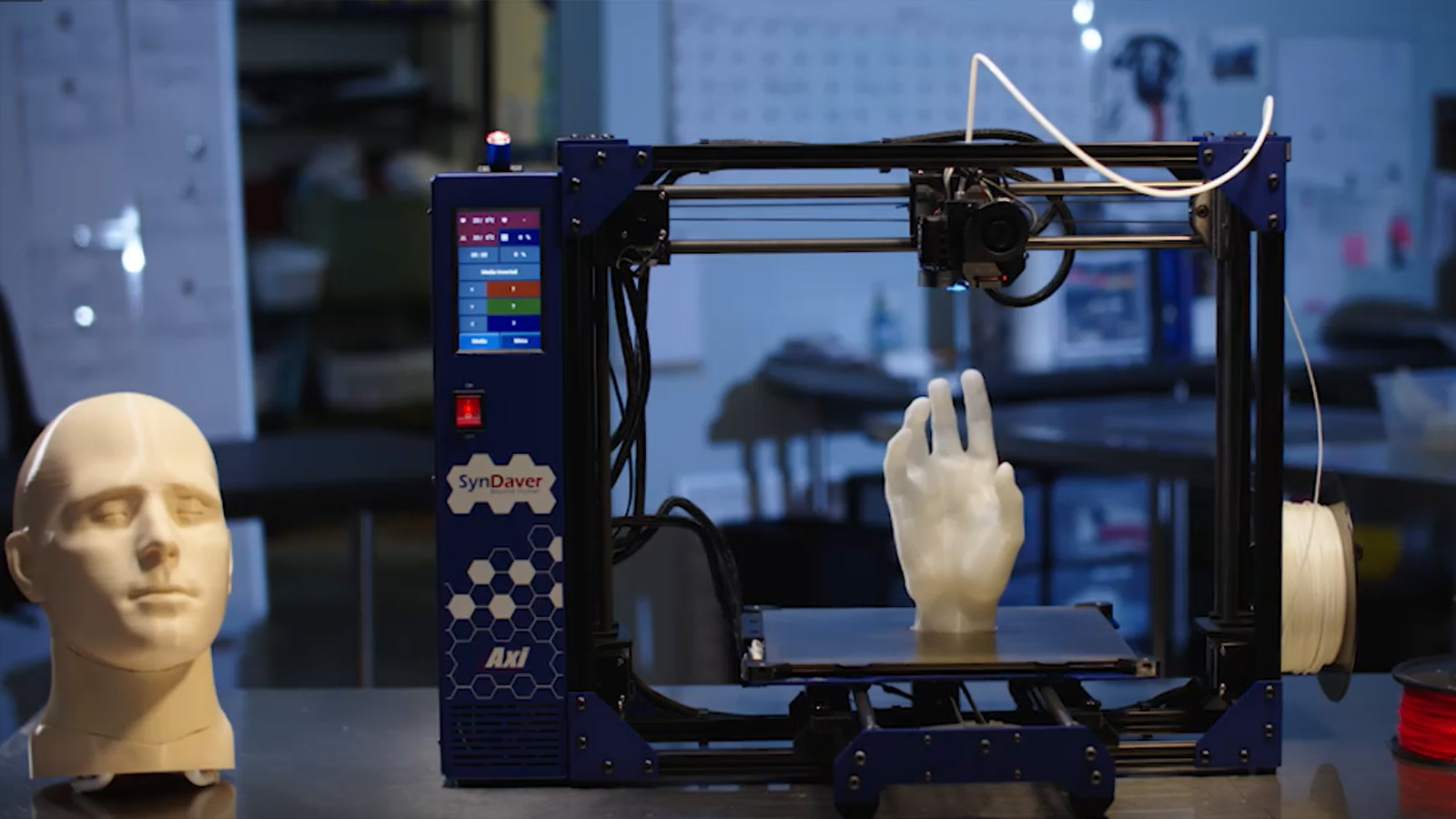 Syndaver launches its first 3D printer, the SynDaver Axi