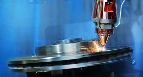 Coating a brake disc using LMD. Photo via Fraunhofer ILT.