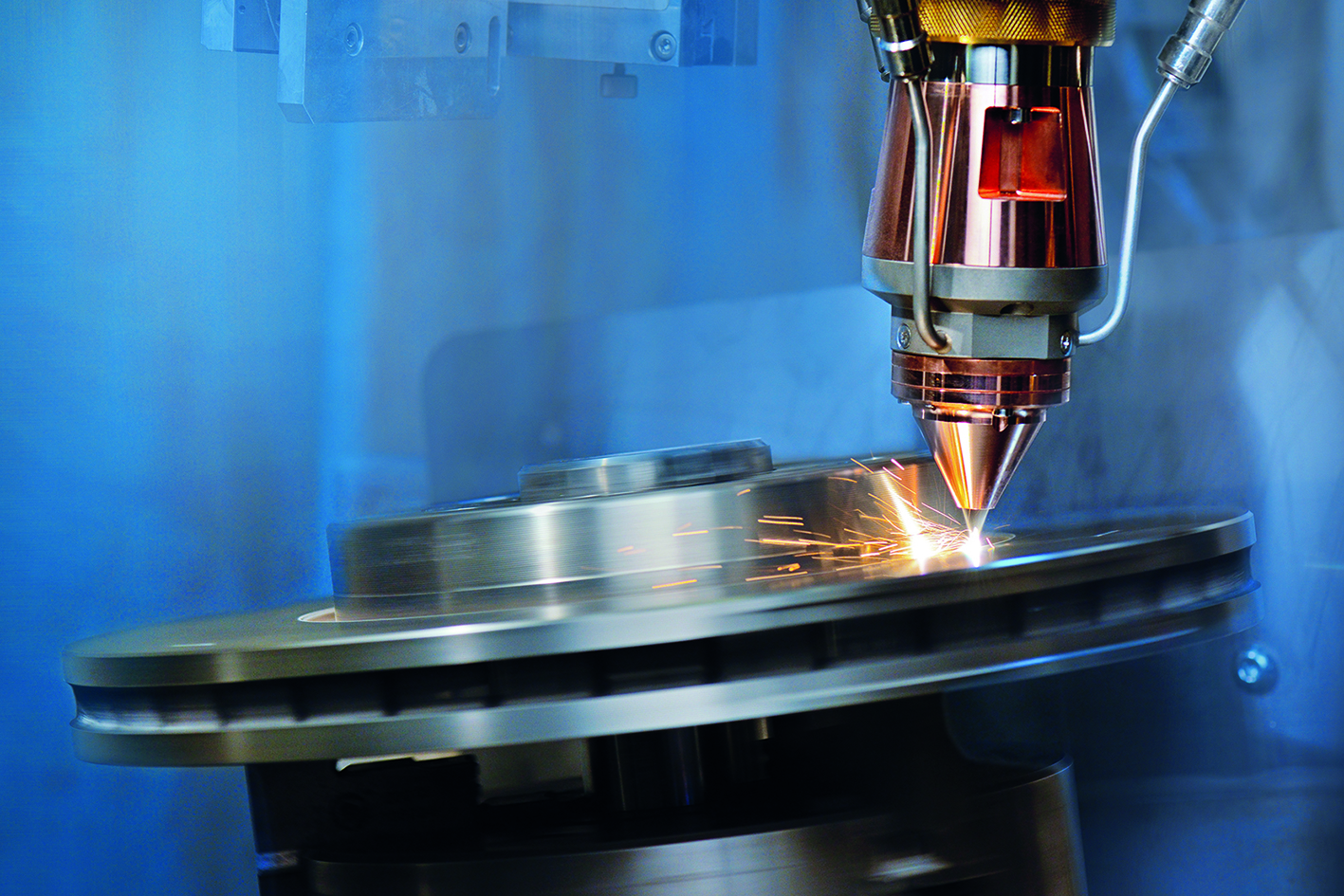 Coating a brake disc using LMD. Photo via Fraunhofer ILT.